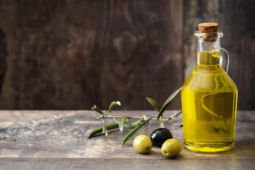 Learn how to taste extra virgin olive oil at home