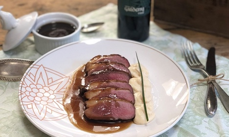 Duck breast with honey sauce and Port wine bittersweet